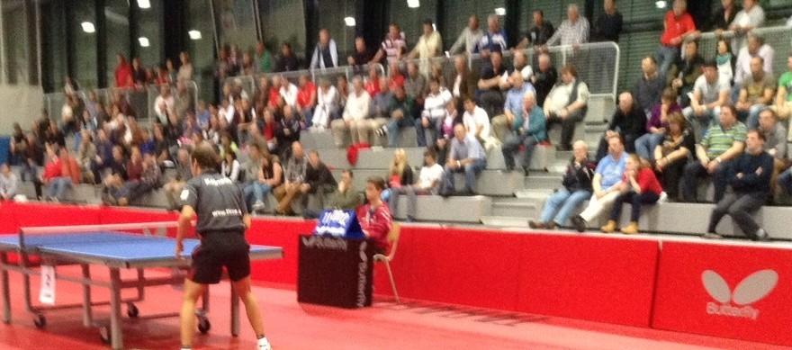 Zuschauer in der Wingert-Sporthalle