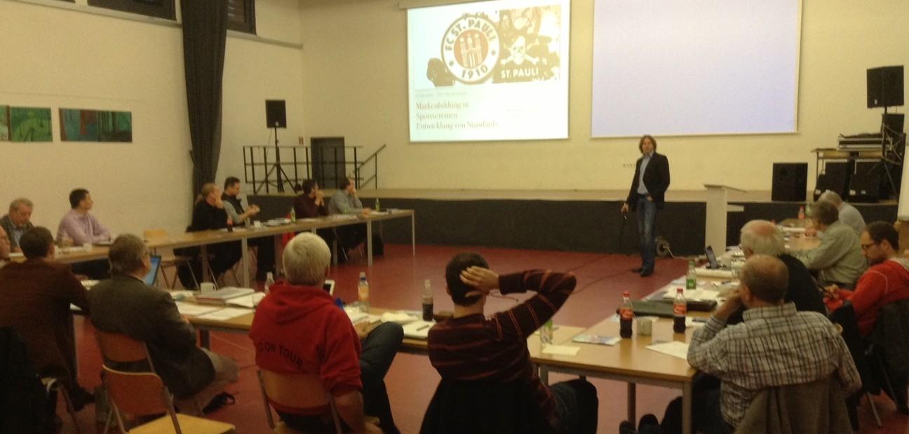 Jo Herrmann berichtet über Markenbildung im Tischtennis