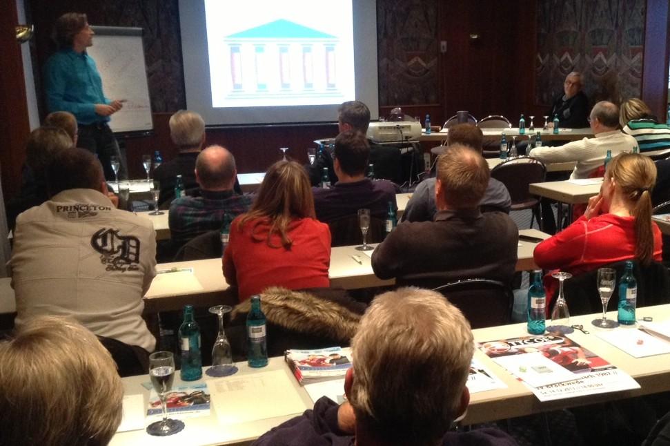 Jo Herrmann referiert bei MV des TTC OE