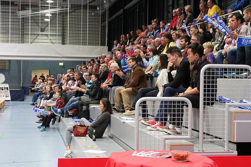 /artikel/14-15/Zuschauer beim Spiel gegen SV Siek.jpg