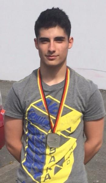 /artikel/Sina Scharei mit Silbermedaille.jpg
