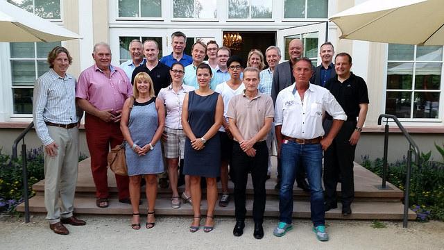 /artikel/14-15/Gruppenfoto Wirtschaftsbeirat.jpg