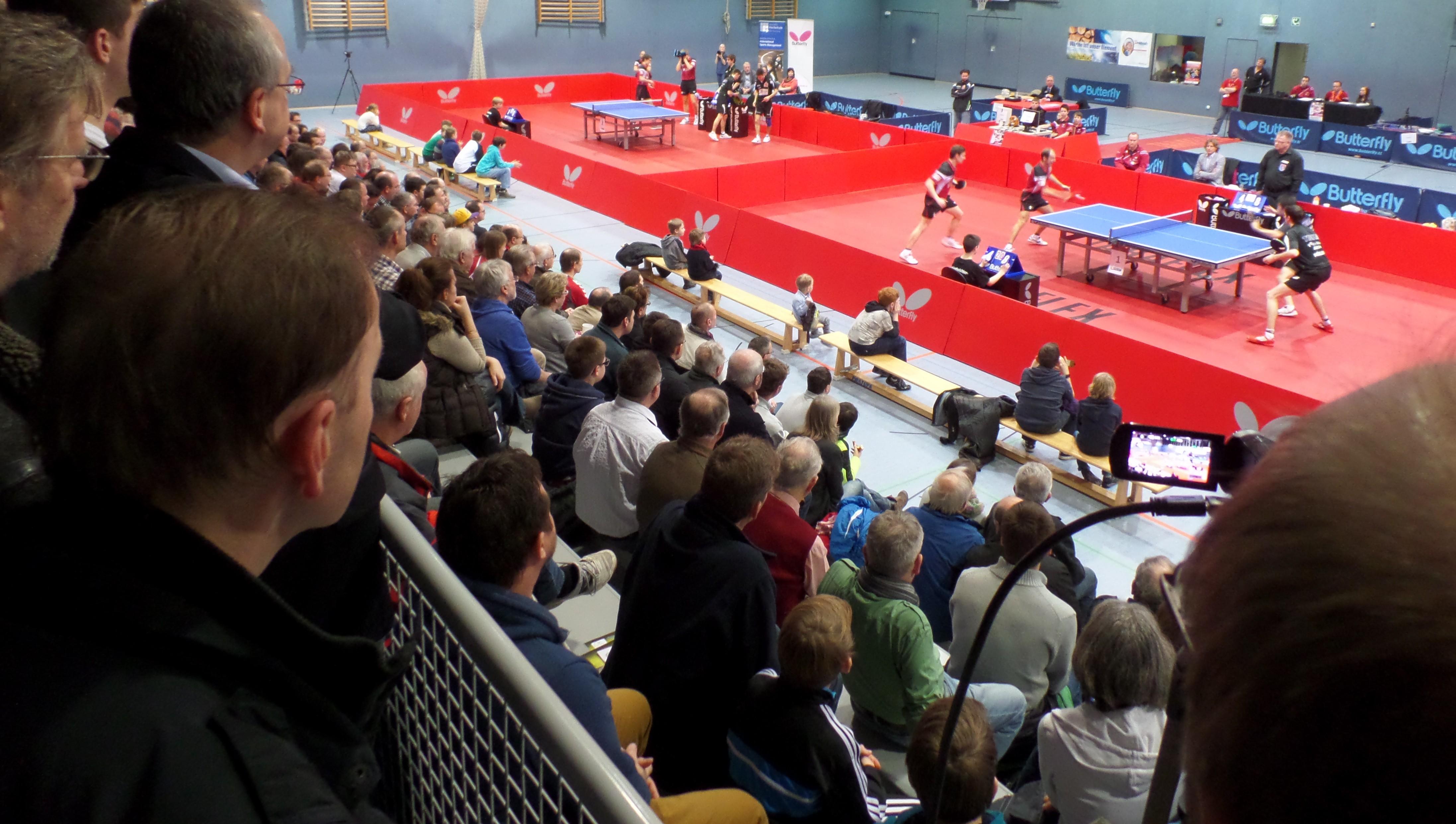 images/Blick von der Zuschauertribne in die TT-Arena.JPG